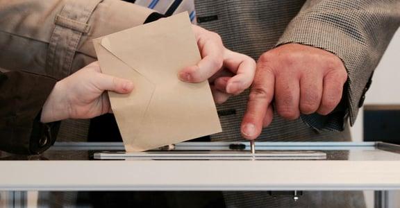 民主的巨大博弈:這是場民主公投,還是意氣之爭?