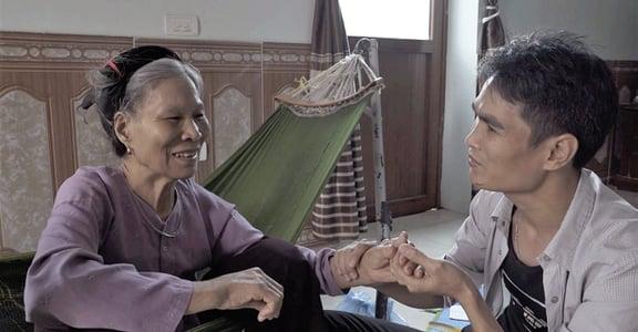 紀錄片《家有同志兒》73 歲母親告訴同志兒:「孩子,你愛誰都可以」
