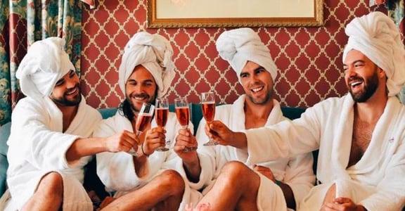 沙灘瑜珈、閨密午茶:這群男人也愛在 IG 發網美照