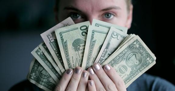 男女已經好平等?WEF 調查:全球女性收入只佔男性 63%
