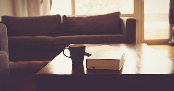 張鐵志專文|從那張沙發出發,抵達你要的家