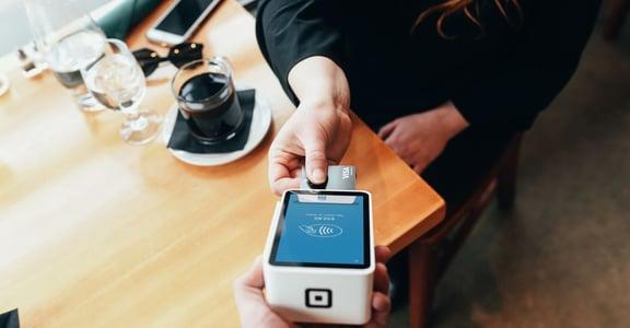 拿第一張信用卡前,你的必修理財課