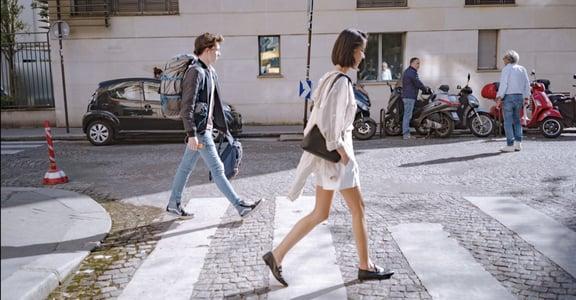 疊穿、同色系、搭襯衫,用 Uniqlo 穿出精緻法式感