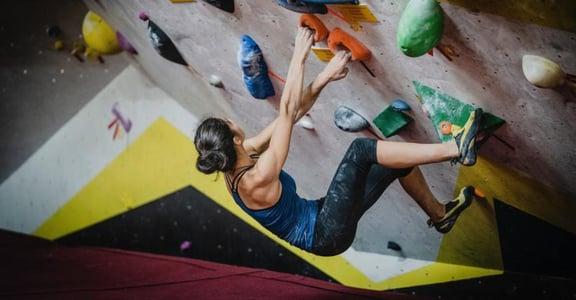 【運動小姐】攀岩抱石,讓我學會面對摔落