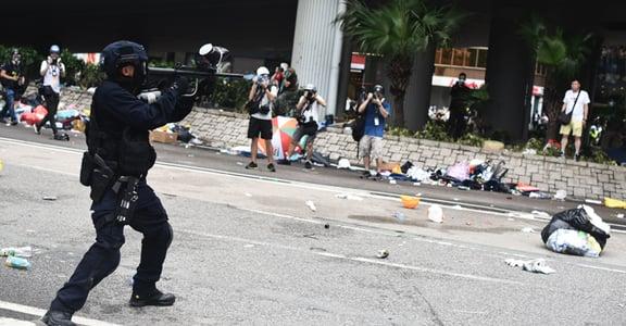 《逃犯條例》二讀修訂、警方發射橡膠彈!香港反送中現場即時更新