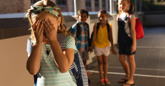 「你爸是壞人」阿翔事件:如何關心外遇家庭的孩子們?