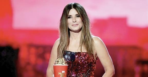 MTV 獎最感人時刻!單親媽媽珊卓布拉克真情致詞:「有時候你必須去尋找你的家」
