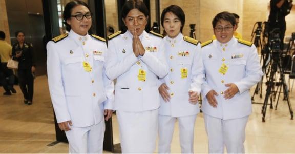 「別叫我花瓶!」泰國首批跨性別議員,挑戰政局