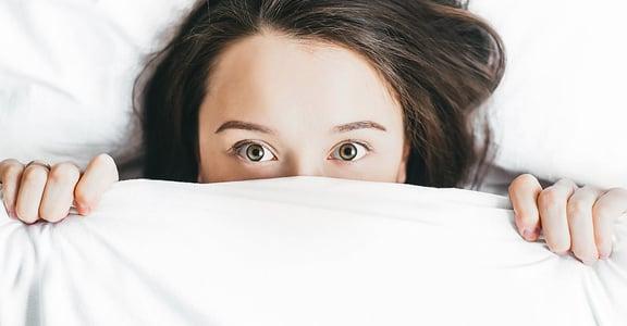 總打噴嚏、身體癢?數十萬「塵蟎」恐睡身邊,5 分鐘讓你輕鬆消除它