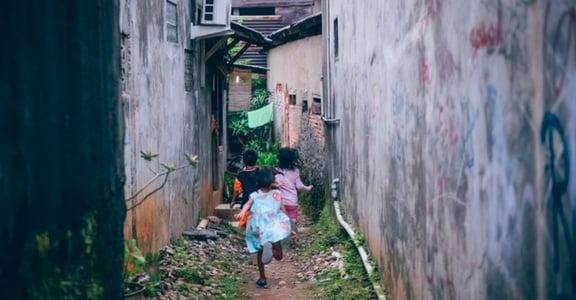 菲律賓移工故事:我被雇主騷擾,仲介說「再忍忍吧,至少沒被性侵」