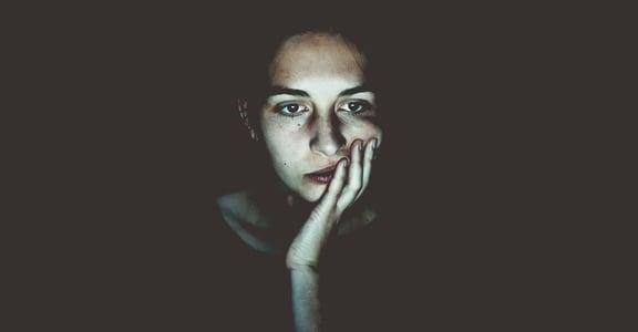 「我怎麼會得到這種病?」罹患性病,如何讓女人同時失去自我價值