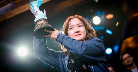 「女性缺乏鎂光燈!」爐石戰記電競史上女性冠軍誕生