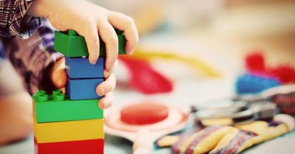 居家防疫法:不把細菌帶回家!七種方法清潔孩子的玩具