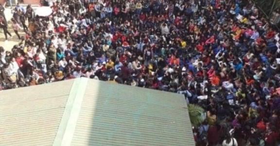 「他們集體逼近、在我面前自慰」印度女子大學結業式,遭一群男子闖入