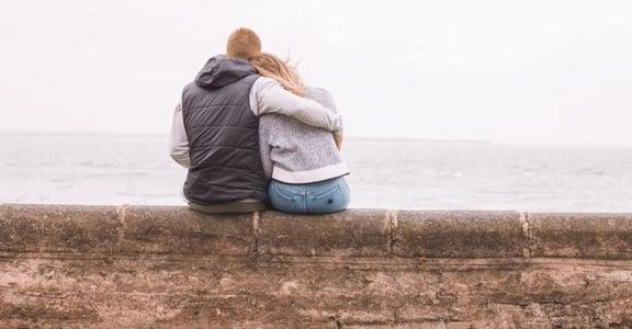 愛上一個溫柔的人,就像睡在一床太陽曬過的被子裡