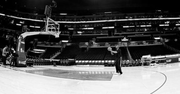 Kobe Bryant 自傳:在喧鬧的球場中,我的心永遠平靜如水
