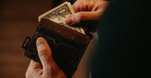 拒絕不了的人情花費,會讓你失去生活:為何你該劃分「金錢界線」?