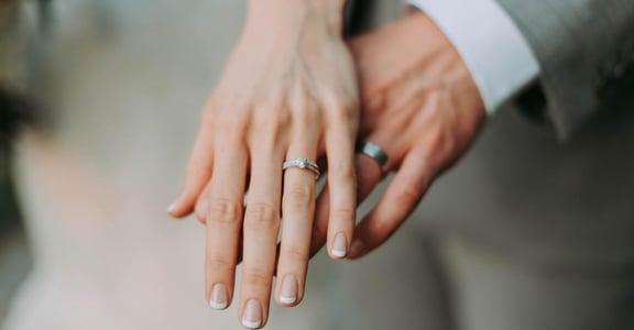 婚後不只沒有童話故事,連一個平凡故事也很奢侈
