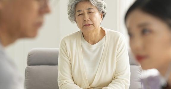 家人怎麼勸,都不願去看病怎麼辦?精神科醫師建議的六個方法