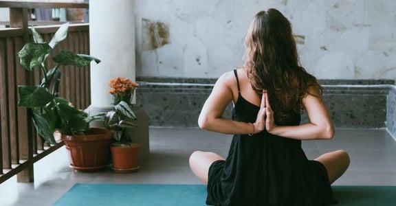 運動小姐|瑜伽教我的事,越是慌亂,心反而要練習安靜