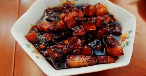 上海觀察日記 餐桌上我們與惡的距離:這口肥肉吃,不吃?