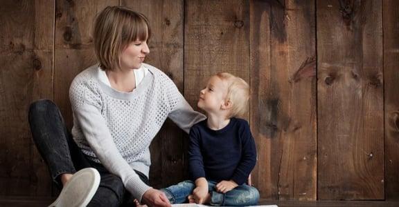 給單親媽媽的 10 句話:你不需要,覺得自己虧欠孩子