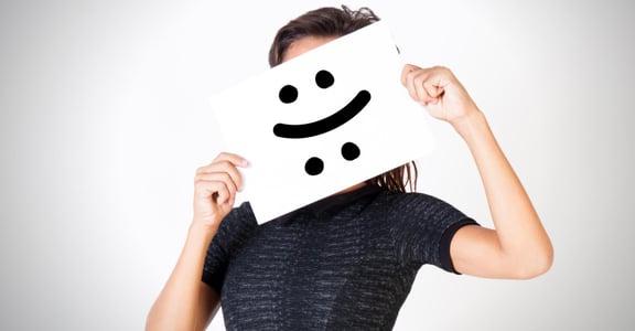越是悲傷的時候,越是嘻笑帶過:打岔型人格有什麼特質?