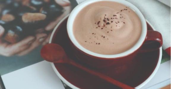 自煮奶茶時光:秋天暖心的栗子巧克力奶茶
