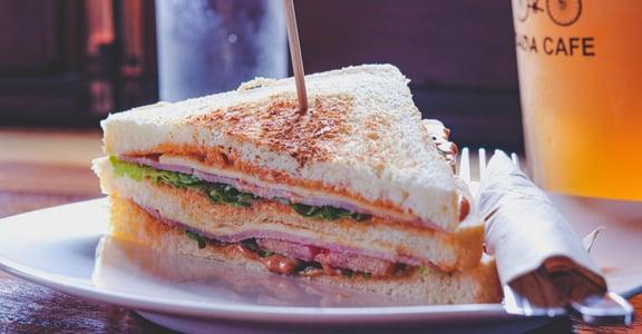 「帥哥美女今天要吃什麼?」台灣早餐店的溫情五大特色,抓住你的胃