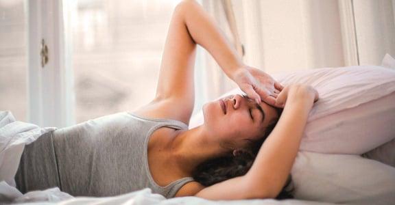 你也有失眠困擾嗎?中醫師教你簡易穴道按摩,三動作提升睡眠品質