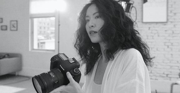 專訪「全能保鑣」時尚攝影師余惟,靠心態克服環境,手機也能拍出時尚大片