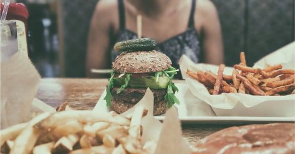 「變胖之後,人生都毀了」面對社會的品頭論足,至少妳要深愛不完美的自己