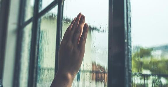 「心情不好時,世界都是灰暗的」談思想與情緒如何互相影響?