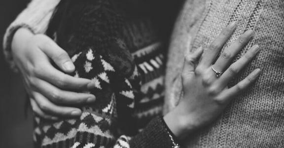 別再用「愛情變成了親情」當藉口,好的親密關係需要用心經營