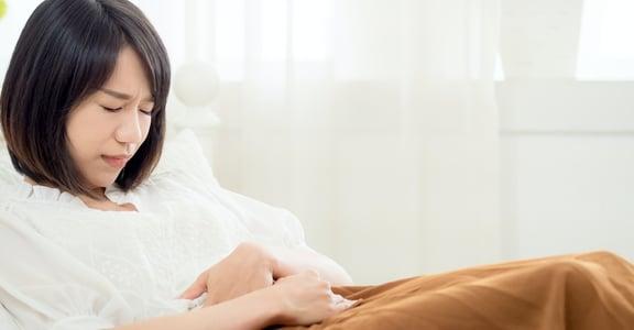 「經痛難熬,忍忍就好?」婦產科醫師:身體正在警告妳,快尋求專業治療!