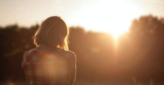 「分手後,依然恨對方怎麼辦?」關係心理學:選擇原諒真的能走出傷痛嗎?