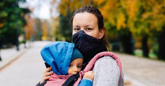 台灣生育率全球最低?律師:總是要求「萬能母親」的文化,是少子化的主因