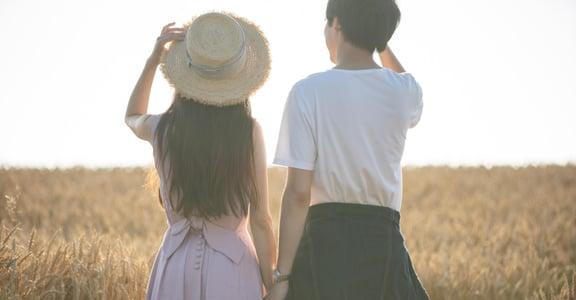 在一起太久,感情淡了怎麼辦?關係心理學:將每週末,設為你們的固定「探索日」