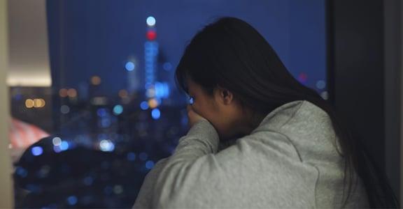 無條件「忠貞」會帶來窒息感!現代家庭課題:聲稱充滿愛與幸福的關係,問題在哪?