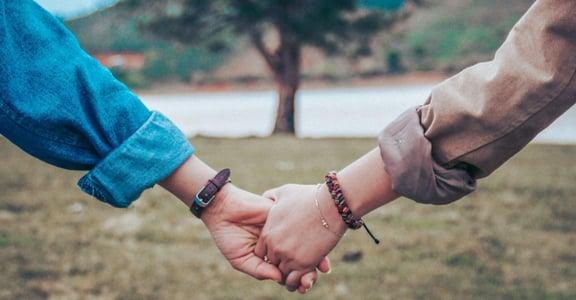 盧美妏專欄|願意為你花錢的,就是好伴侶?AA 制不是擇偶標準,金錢觀才是!