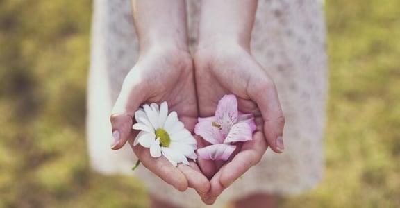 「我的身心好像故障了」創傷後生存:生活是解構與重構的過程,我們都在自己的時區裡活著