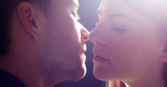 接吻前偷吃步!三個偷偷做也行的防止口臭妙招