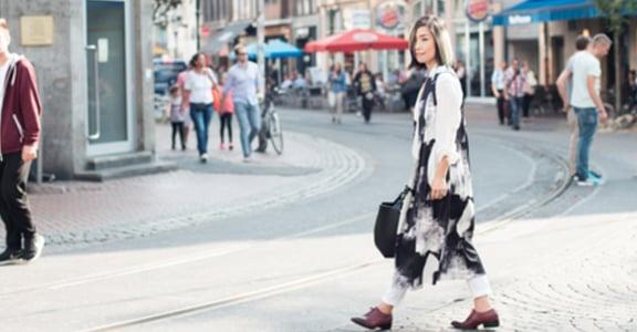 把秋天穿的優雅有型!長背心顯高顯瘦的比例原則