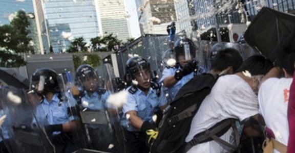 民主是個動詞!香港佔中運動爭取看得見的未來