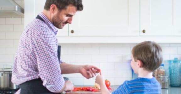 【王迪詩專欄】為何男人覺得洗碗沒尊嚴?