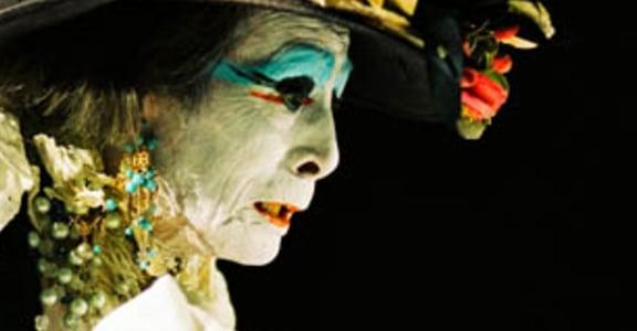 日本舞踏 Butoh 美學:從舞蹈看內心黑暗,崩毀而絕美