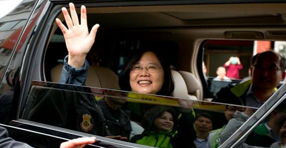 徐巧芯美女牌、蔡英文媽媽酒家女?台灣政治對女人夠友善嗎