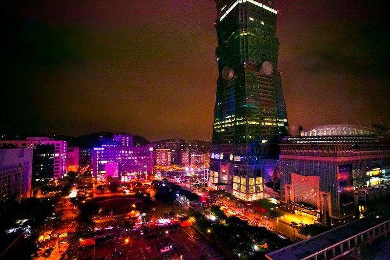 感受生活享樂潮流,創新式時尚餐飲空間 台北 STREAM