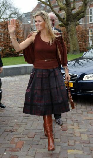 愛荷蘭左擁右抱-學習皇后的氣質時尚