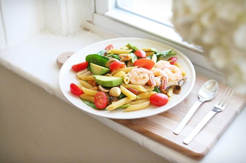 warm-salad-avocado-shrimp-8